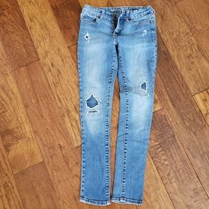 VGUC GAP skinny fit distressed jeans size 10